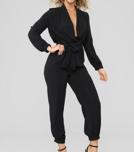 NWOT Stroll At The Plaza Jumpsuit Black